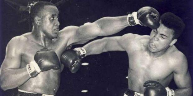 BREAKING NEWS: Petinju Legendaris Muhammad Ali Meninggal Dunia di Usia 74 Tahun