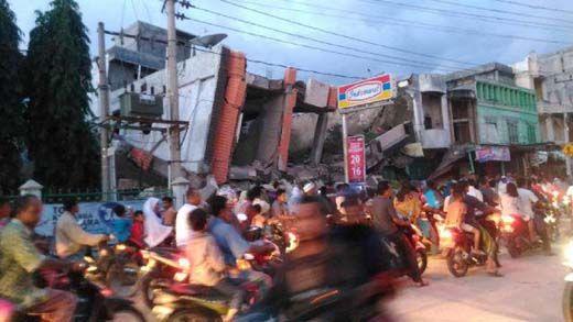 Gempa 6,4 SR di Pidie Jaya Aceh, Begini Potret Kepanikan Warga dan Bangunan yang Rusak