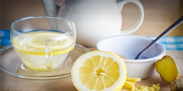 Khasiat Tersembunyi Meneguk Air Lemon Hangat di Pagi Hari