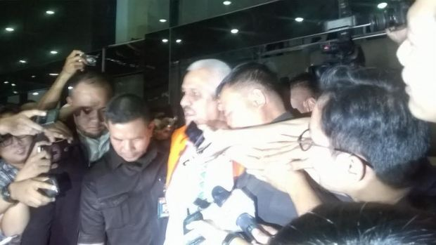 KPK Tahan Ketua DPRD Sumut Cs