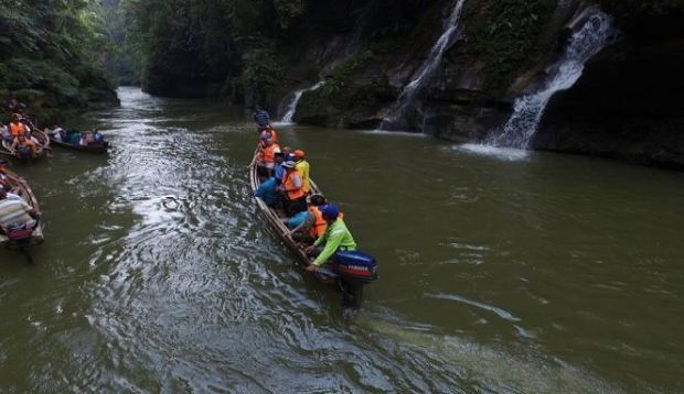 Yuk… Jelajah Eksotisnya Air Terjun Sungai Kopu di Kampar
