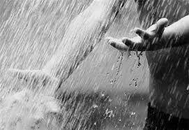 Hebat, Mahasiswa Indonesia Sulap Air Hujan agar Bisa Diminum
