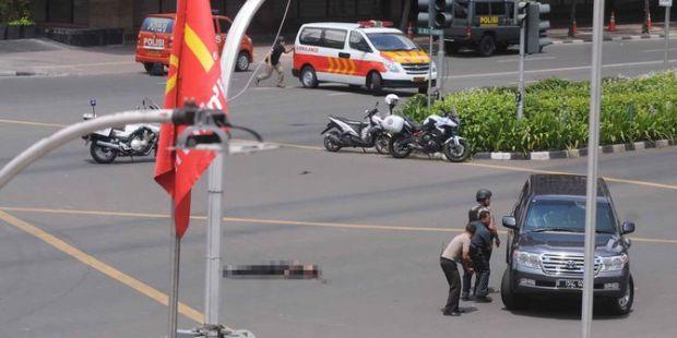 Baku Tembak Terjadi di Thamrin, Suara Ledakan Berulang Kali