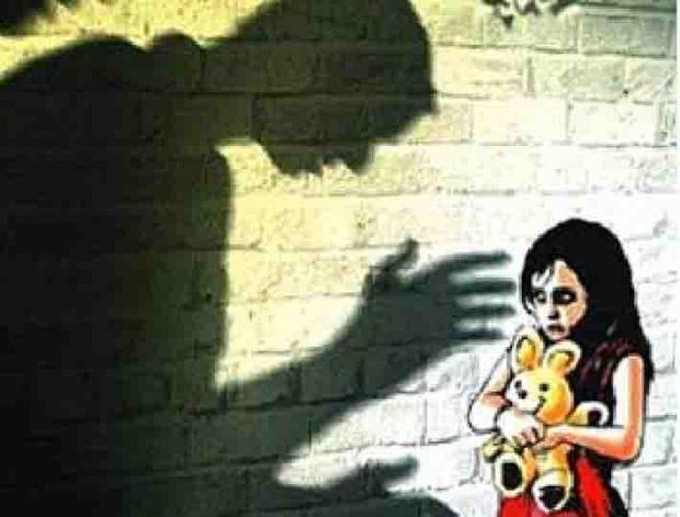 DUH... Ayah Paksa Anak Tiri Usia 11 Tahun Nonton Video Porno, Kemudian Diperkosa