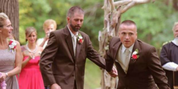 Kisah Haru Ayah Kandung dan Tiri Berbagi di Pernikahan Anak