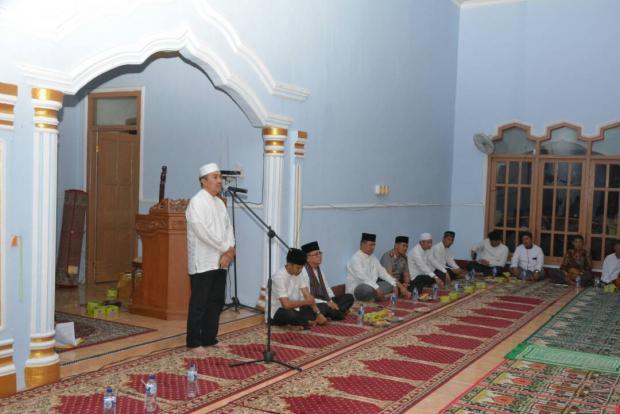 Safari Ramadan di Kecamatan Lubukdalam, Bupati Siak Akui Data Masyarakat Miskin Belum Valid