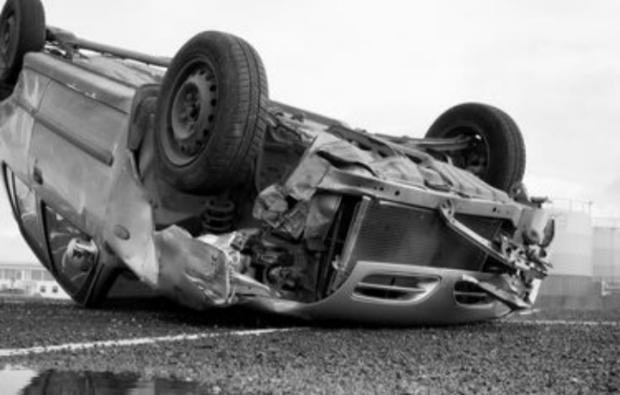 Mobil Berpelat Riau Berisi 8 Orang yang Baru Pulang dari Pesta Pernikahan Kecelakaan di Sumut, 4 Tewas