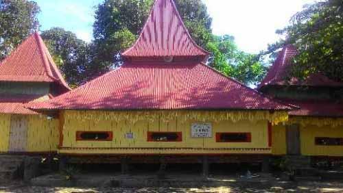 Berdiri Sejak 1905, Mesjid Ar Rahmat di Desa Tanjung Kampar Tetap Kokoh dan Megah