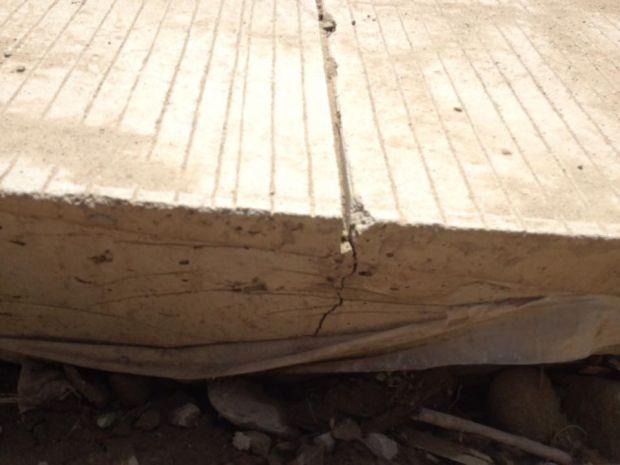 Beton di Jalan Lintas Cerenti-Inuman Kabupaten Kuantan Singingi Patah, Kontraktor Diminta Bertanggung Jawab