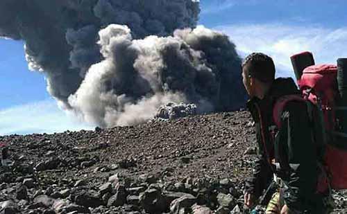 Pendaki Asal Riau yang Hilang di Gunung Marapi Sumbar lantaran Kurang Persiapan