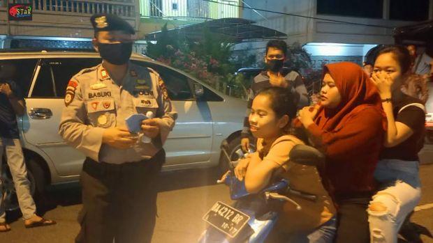 Patroli Malam dan Subuh Hari, Polisi di Bengkalis Laksanakan Imbauan Humanis ke Warga Terkait Penggunaan Masker