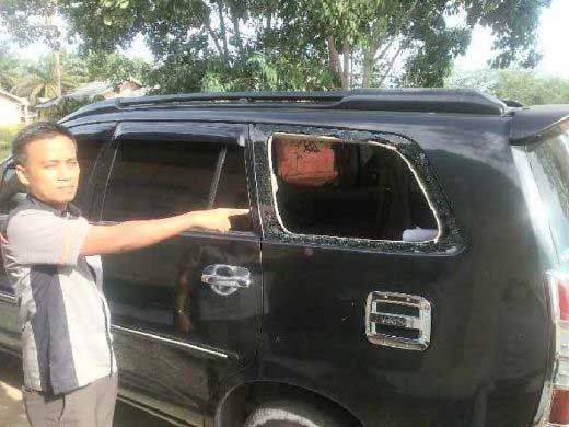 Beraksi Siang Bolong, 2 PNS Jadi Korban Komplotan Bandit Pecah Kaca di Parkiran Mesjid Kabupaten Rohul, Uang Rp18 Juta Lebih Raib