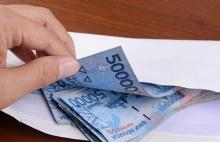 ratusan-amplop-berisi-uang-rp50-ribu-ditemukan-dalam-kantong-plastik-hitam-jelang-pemungutan-suara