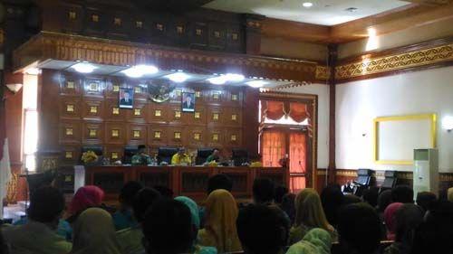Bupati Siak Tak Ikhlas Status Guru Honorer SLTA di Daerahnya Dilimpahkan ke Provinsi Riau: Kalau Ada Anak yang Bodoh, Bukan Gubernurnya yang Malu