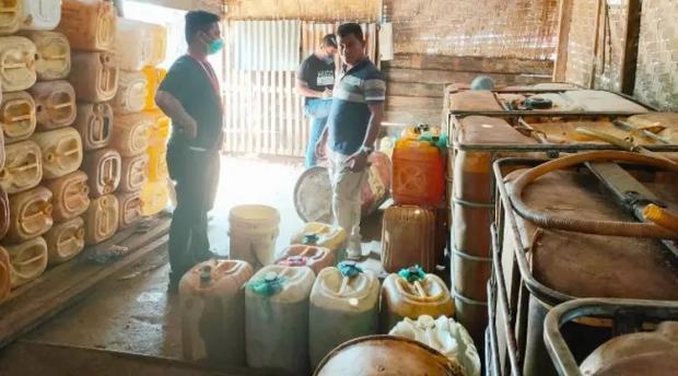 """Praktik """"Kencing"""" Minyak Sawit Mentah di Dumai Dibongkar Polisi"""