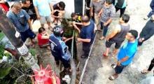 tragis-ibu-memasak-di-dapur-anaknya-yang-berusia-16-tahun-tenggelam-di-drainase-depan-rumah