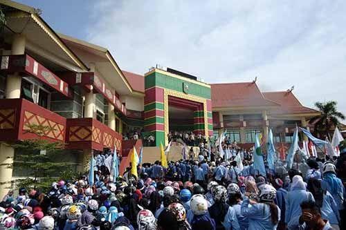 """""""Resah"""" karena Tamu Masuk Terlalu Bebas, Sekarang Pengamanan Dalam Gedung Wakil Rakyat Provinsi Riau Jadi Berlebihan"""