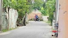 seorang-warga-di-pekanbaru-tutup-jalan-umum-dengan-tembok-hanya-garagara-pernah-diklakson