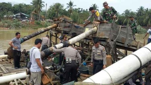 Polisi Bongkar Tambang Emas Ilegal di Sungai Paku Kuansing