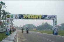 sudah-tiba-di-pekanbaru-pembalap-dari-australia-dan-malaysia-batal-ikut-itour-de-siaki-karena-kabut