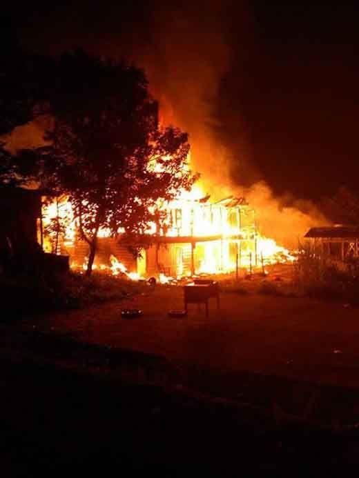 Pasar Usang Pangkalanpanduk Kerumutan Pelalawan Terbakar, 9 Kios dan Rumah Ludes Dilalap Api