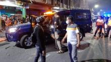 buru-kendaraan-yang-diduga-barang-ilegal-mobil-dinas-bea-cumai-diserang-massa-tak-dikenal-di