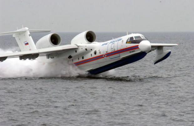 Kewalahan Atasi Kebakaran, Pemerintah Kontak Negara Pemilik Pesawat Water Bombing