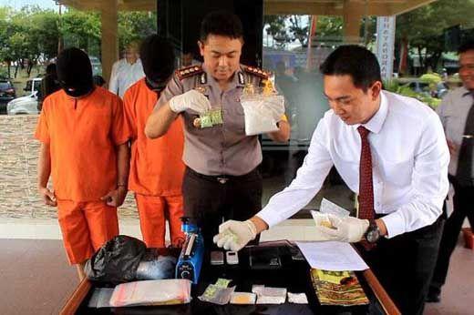 Oknum PNS Pelalawan yang Ditangkap Bawa Setengah Kilo Sabu Ternyata Baru Keluar Penjara dalam Kasus yang Sama