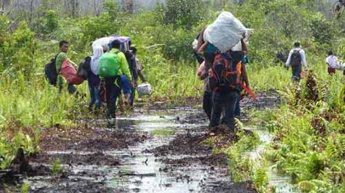 Tujuh Desa di Ujung Kabupaten Kampar Nyaris Terisolasi lantaran Jalannya Berlumpur, Sudah Bertahun-tahun Warga Mengeluh tanpa Ada yang Peduli