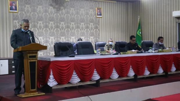 Sekda Kamsol Sampaikan Jawaban Bupati terhadap Pandangan Umum Fraksi-Fraksi di DPRD Meranti
