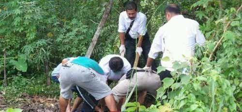 Ngeri! Mayat Perempuan Dibungkus Karung Ditemukan Membusuk di Kebun Jagung Jalan Kadiran Tenayanraya Pekanbaru