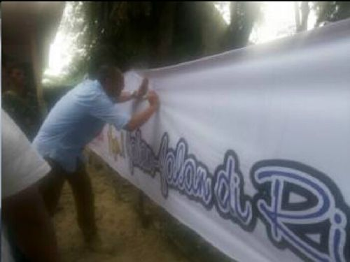"Cara Sederhana Paguyuban Yogyakarta Mencintai Daerah Ini; Lakukan Aksi Bersih di Desa Buluhcina dan Deklarasi ""Ayo Jalan-jalan ke Riau"""