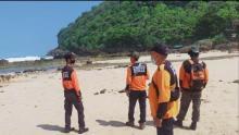 pencarian-mahasiswa-asal-riau-tenggelam-di-pantai-batu-bengkung-malang-masih-nihil