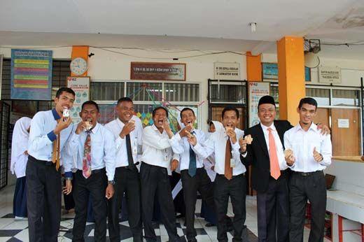 Serunya Aneka Lomba pada Perayaan Hari Guru Nasional di SMP Juara Pekanbaru