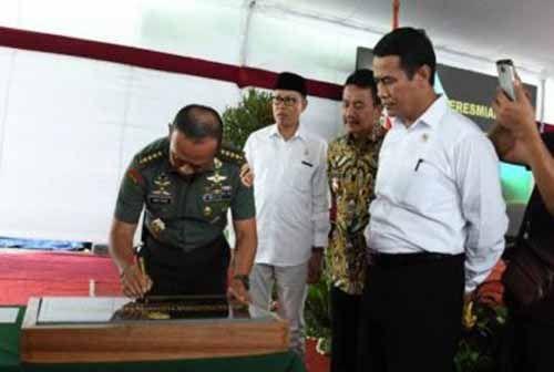 Panglima TNI Gatot Nurmantyo Datang ke Acara Penanaman Padi di Kabupaten Siak bersama Menteri Pertanian Andi Amran Sulaiman dan Kasad Jenderal Mulyono