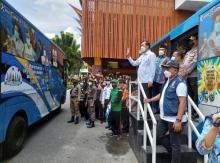 percepat-vaksinasi-transmetro-pekanbaru-disulap-menjadi-bus-vaksin-keliling