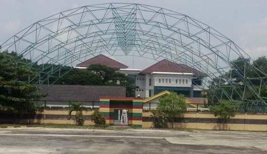 Lapangan Tenis DPRD Riau Berbiaya Rp3,2 Miliar Bisa untuk Umum